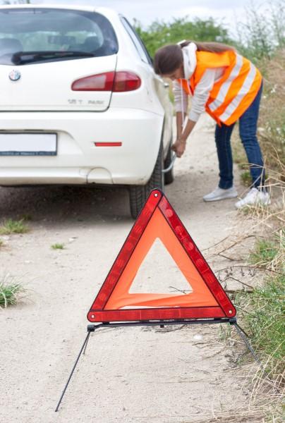 Obavezna oprema za auto - sigurnosni trokut